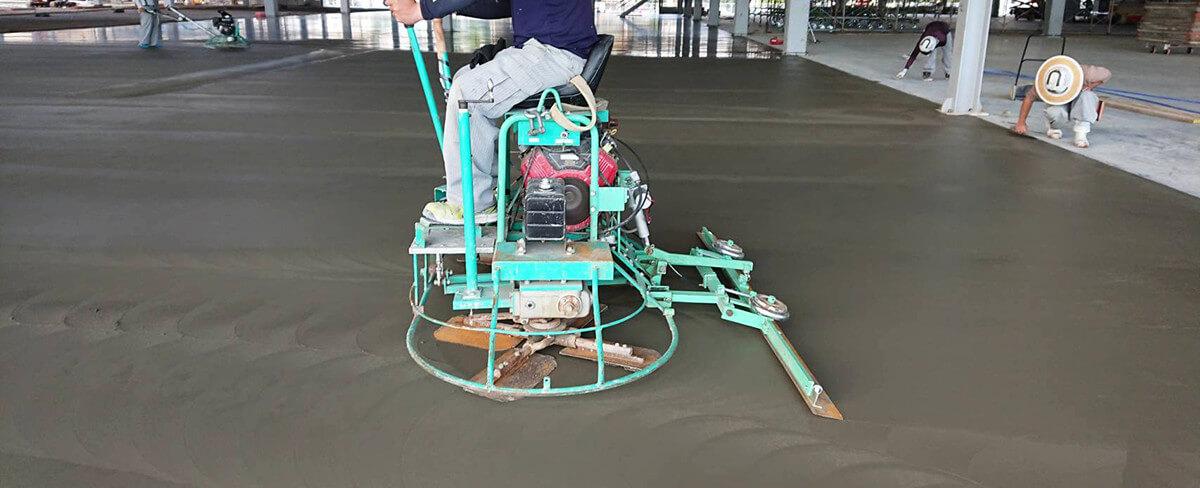 騎乗式ハンドマン,上成工業国際特許,コンクリート,床,施工効率